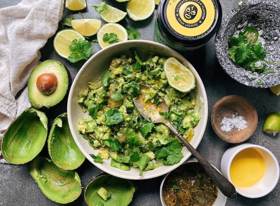Prep step in margin guacamole