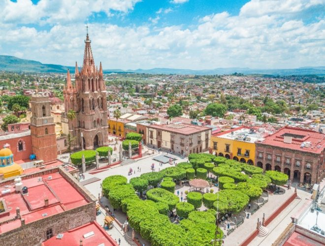 Garden Plaza Allende