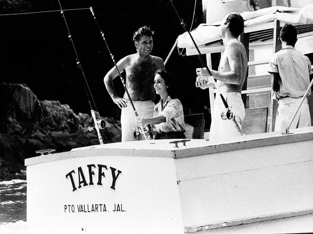 Elizabeth Taylor and Richard Burton together in Puerto Vallarta