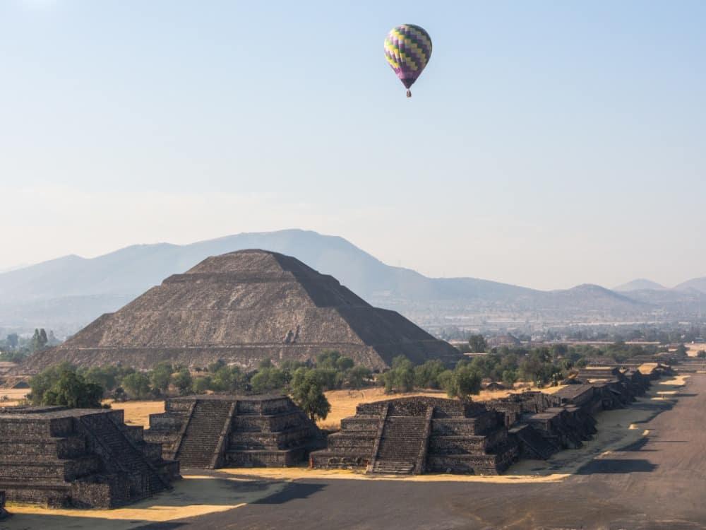 Teotihuacan hot air balloon