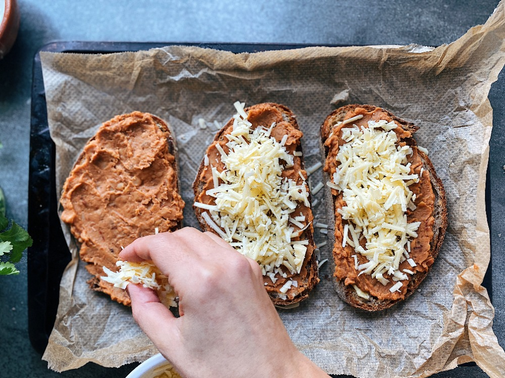 Mexican Molletes Recipe with Refried Beans